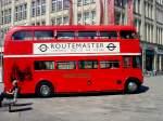 Busse/82149/seitenansicht-oldtimer-bus-aus-london-erfurt-juli Seitenansicht Oldtimer-Bus aus London, Erfurt Juli 2010