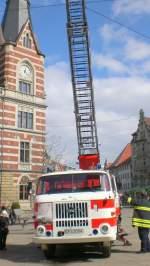 Feuerwehrfahrzeuge/63328/w50-feuerwehrfahrzeug-auf-dem-erfurter-anger-maerz W50-Feuerwehrfahrzeug auf dem Erfurter Anger, März 2010